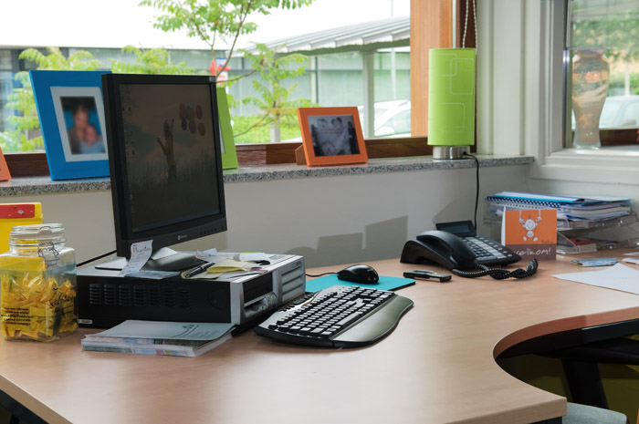 kantoorapparatuur aansluiten